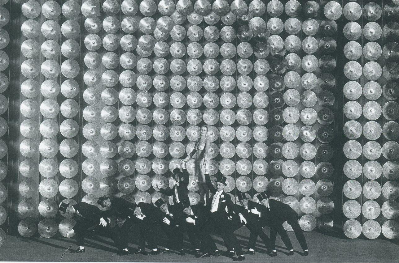 Ballet Suédois - Relache (2)