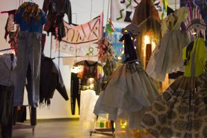 MYCKET och Det nya skönhetsrådet, i samarbete med designern Maja Gunn, Exclude me in (2013). Foto: Jessica Blom