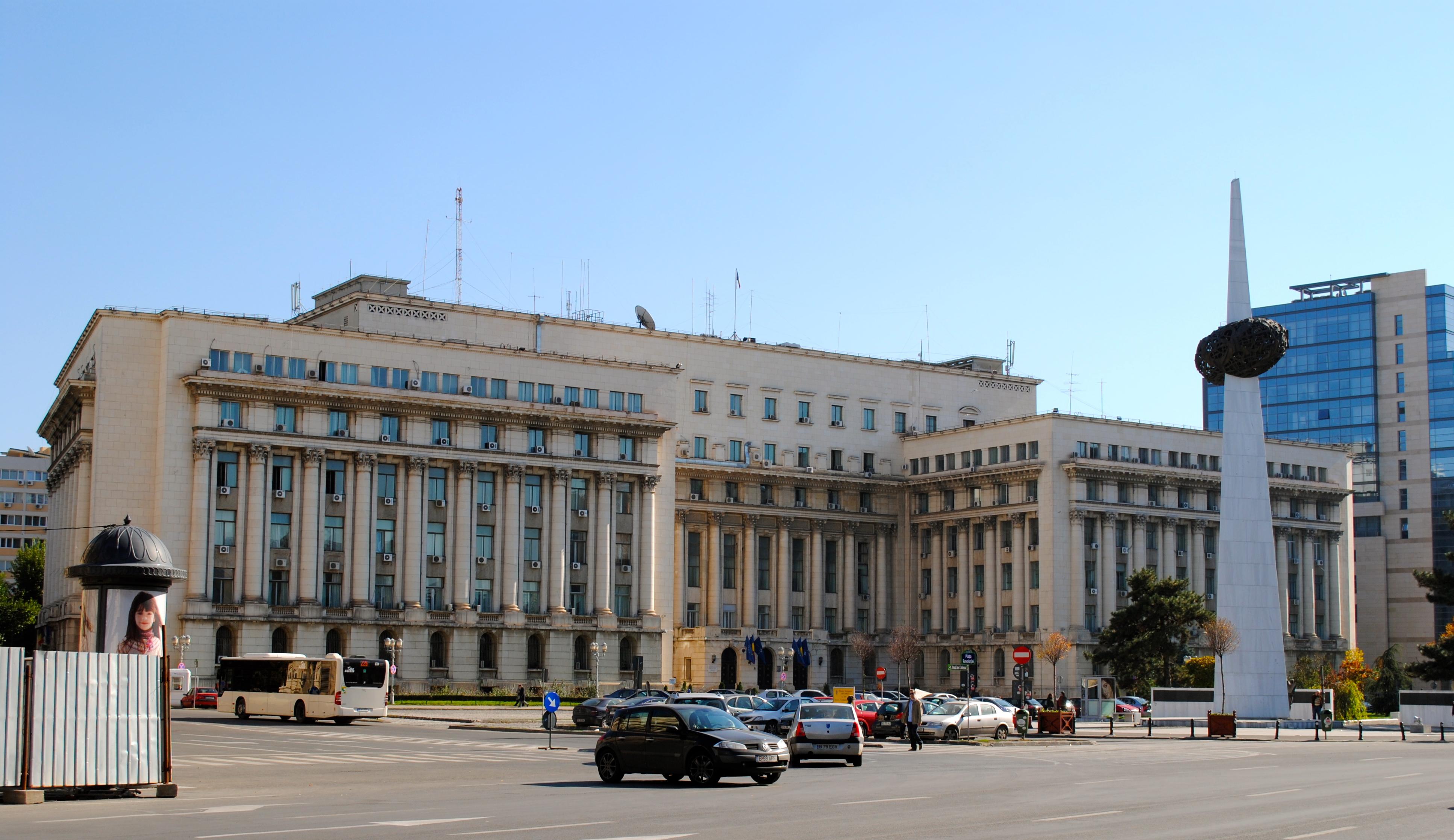 Bucureşti, oktober 2010. Sentralkomiteens bygning, nå Senatet. Med balkongen som alle taler ble holdt fra i desember 1989.