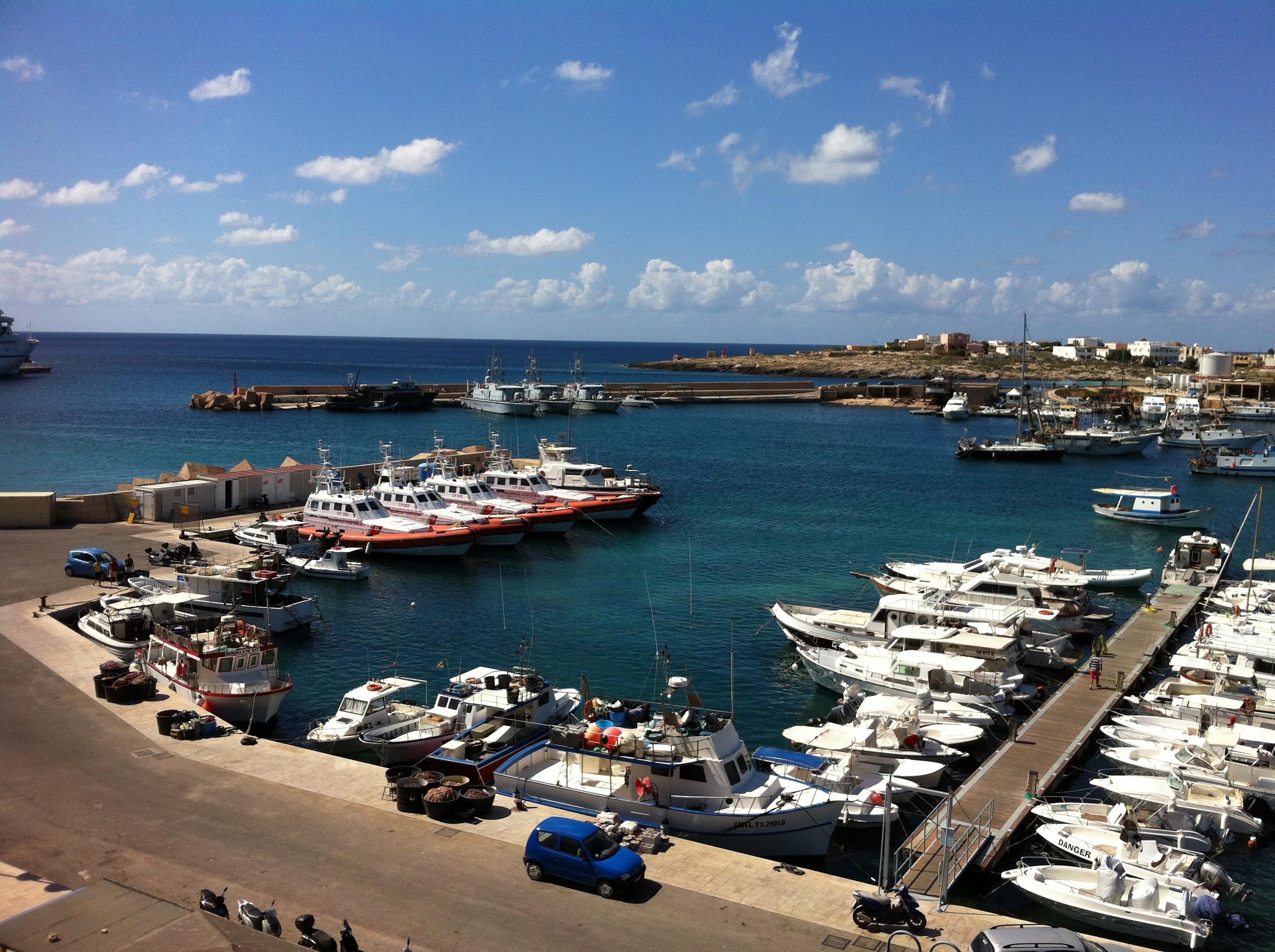 Lamdepusa harbour.
